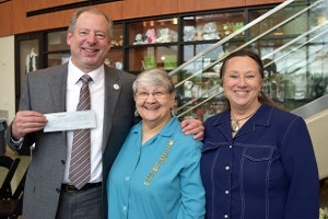 Volunteers Donate $24,000 to OakBend Medical Center